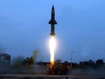 Балистическа ракета Prithvi-II (Фото от сайта domain-b.com)