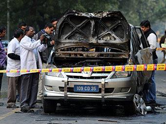 На месте подрыва автомобиля израильского посольства в Нью-Дели. Фото ©AFP