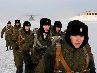 Бойцы берегового подразделения Северного флота. Фото с сайта mil.ru