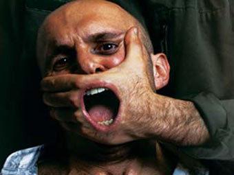 """Плакат """"Репортеров без границ"""". Иллюстрация с сайта организации"""