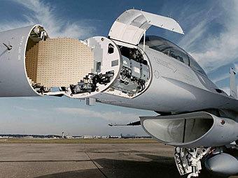APG-68(V)9 на F-16. Фото с сайта defenseindustrydaily.com