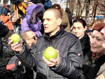 Борис Немцов на Пушкинской площади. Фото @dlindele