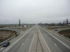 Авторы поправок предложили штрафовать водителей тихоходных транспортных средств на 1,5 тысячи рублей.