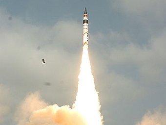 Пуск ракеты Agni-V. Фото DRDO с сайта blogspot.com