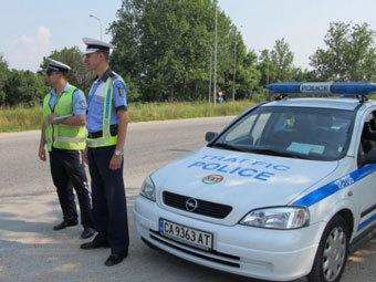 Голую румынку оштрафовали за езду на мотоцикле без шлема