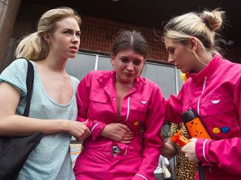 http://img.lenta.ru/news/2012/05/03/femen/picture.jpg
