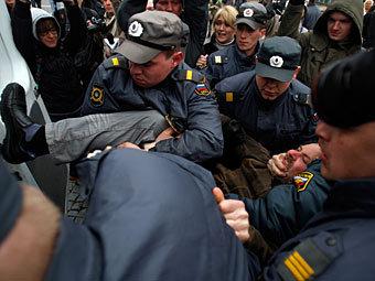 Задержание участников акции протеста на Дворцовой площади в Санкт-Петербурге. Фото РИА Новости, Вадим Жернов