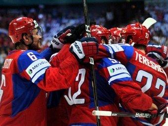 Игроки сборной России радуются голу в ворота Словакии 20 мая 2012 года. Фото ©AFP