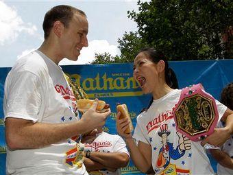 http://img.lenta.ru/news/2012/07/05/hotdogs/picture.jpg