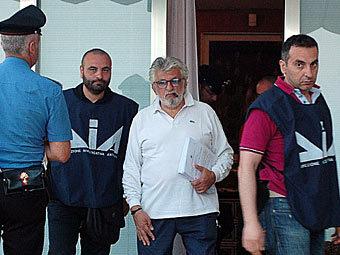 Джузеппе Мандара (в центре). Фото ©AFP
