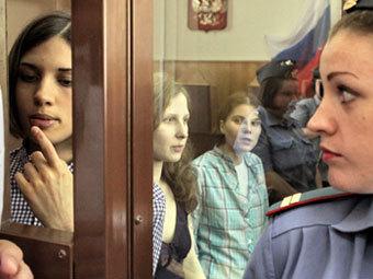 Надежда Толоконникова, Мария Алехина и Екатерина Самуцевич. Фото РИА Новости, Андрей Стенин