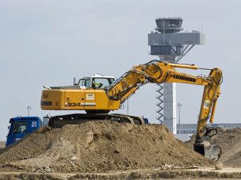 Строители берлинского аэропорта оказались на грани банкротства
