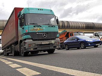 Воробьев: Стоянка грузовиков у въездов на МКАД будет запрещена Подмосковные власти намерены минимизировать риски...