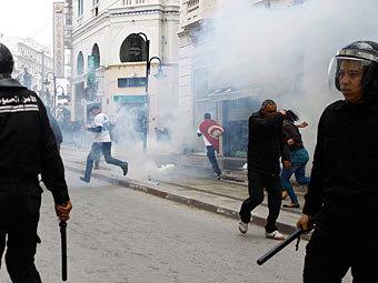Акция протеста в Тунисе. Фото Reuters