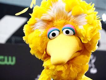 """Рекламный ролик Обамы вызвал рост интереса к птице из """"Улицы Сезам"""""""