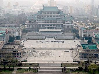 Площадь имени Ким Ир Сена. Фото Michael Kapustin