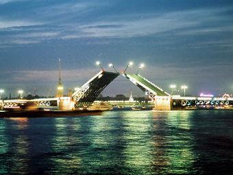 В Петербурге изменится движение по Дворцовому мосту