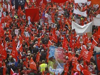 На акции протеста в Лондоне вышли 100 тысяч человек