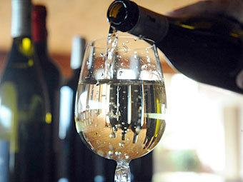 Франции предсказали 40-летний антирекорд по производству вина