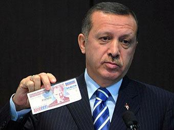 """Турецкий премьер намекнул на создание """"лиразоны"""""""