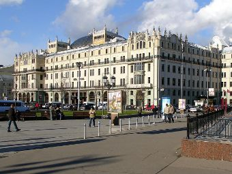 Площадь Революции. Фото пользователя NVO с сайта wikipedia.org