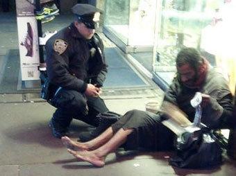 http://img.lenta.ru/news/2012/12/03/barefoot/picture.jpg