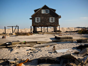 """Последствия урагана """"Сэнди"""" в штате Нью-Джерси. Фото: Andrew Burton / Reuters"""