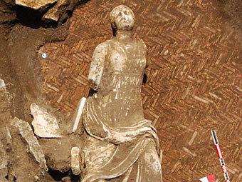 Одна из найденных статуй. Фото: ©AFP