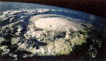 Ураган уничтожил жилой массив