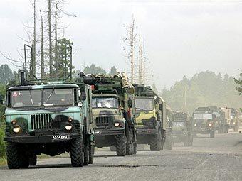 Колонна российских войск на грузино-абхазской границе. Фото AFP