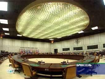 Зал заседаний в штаб-квартире НАТО в Брюсселе. Кадр НТВ, архив