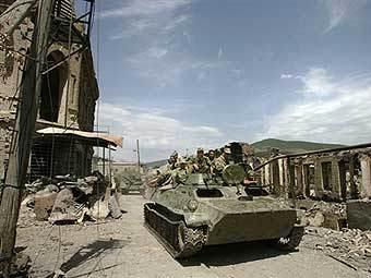 Российская бронетехника в Цхинвали. Фото AFP