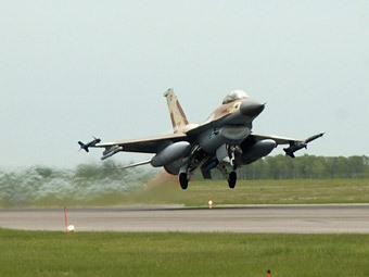 Истребитель F-16 ВВС Израиля. Фото с сайта airforce.forces.gc.ca