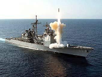 """Ракетный крейсер """"Каупенс"""". Фото с сайта navy.mil"""