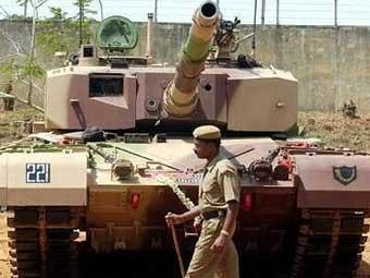 Танк Arjun. Фото с сайта www.armyrecognition.com