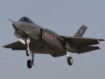 F-35 Lightning II. Фото с сайта www.defenseindustrydaily.com