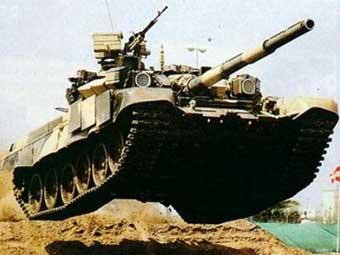 Танк Т-90. Фото с сайта liveguns.ru