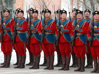 Монгольские военнослужащие. Фото с сайта www.defenselink.mil