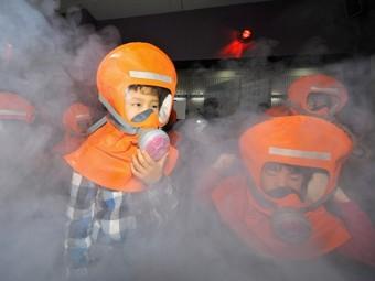 Учения по защите от нападения с применением биологического оружия в Южной Корее. Фото ©AFP