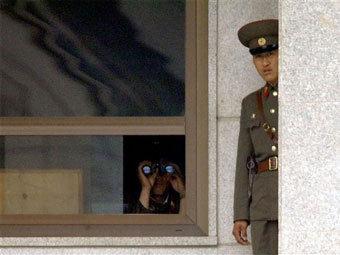 Северокорейские пограничники. Фото ©AFP