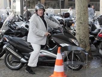 https://img.lenta.ru/news/2012/11/30/depardieu/picture.jpg